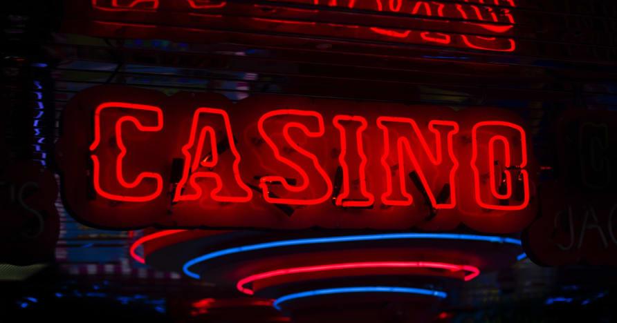 Apa yang menjadikan kasino dalam talian istimewa?