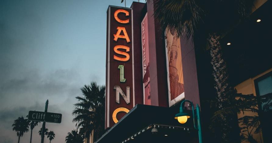 Kasino dalam talian Vs. Kasino Darat - Ketahui Faedahnya